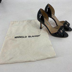 Manolo Blahnik   Size 35. Black Patent Leather